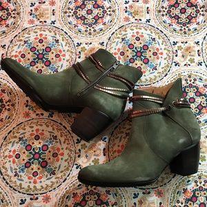 Sundance Catalog Luxe Lariat Boots. BNIB